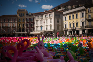 perfomance art by Oppy de Bernardo (Piazza Grande Locarno . Ticino)