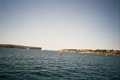 The Heads, Entrance to Port Jackson, Sydney Harbour (d.kevan) Tags: australia portjackson southhead fromtheferry onthewaytomanly cliffs lighthouses sea buildings tasmansea boats sailingboats motorboats watsonsbay northhead theheads buoys