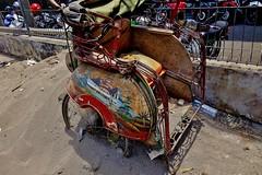 "NDONESIEN, Java , in Yogyakarta, ausgedient, 17327/9869 (roba66) Tags: reisen travel explorevoyages urlaub visit roba66 asien südostasien asia eartasia ""southeastasia"" indonesien indonesia ""republikindonesien"" ""republicofindonesia"" indonesiearchipelago inselstaat java yogyakarta rikscha müll"