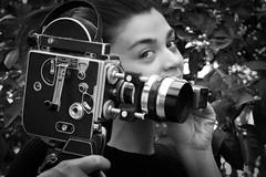 Filmmaker (o.solemio) Tags: leicavlux monocgromo bianconero fogliame dita mano ragazza bolexpaillardh16supreme16mmcamera 1954 mary minoosolemio photo n°443