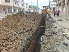 Colocación de tuberías en Santa Rita (gadchone20092014) Tags: colocación tuberías santa rita