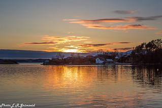 Espeland, Raunefjorden