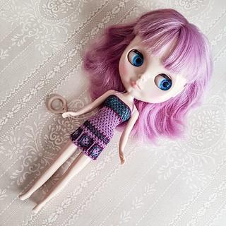 💜New week, new dress💜 Happy monday! 😘💖 #blythe #blythesimplylilac #simplylilac #doll #blythedoll #crochet #crochetgrannysquare #grannysquare #crochetdollclothes #dollclothes
