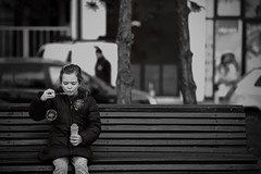 Bubbles (salaminijo) Tags: portret portrait devojčica girls dete child kinder klupa bench outdoor people lights shadows blackwhite monochrome bw schwarzweiss bianconero pics amateur beograd belgrade ser