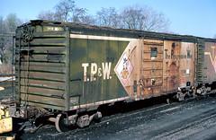 TP&W 41 (Chuck Zeiler) Tags: tpw 41 railroad boxcar box car freight eastpeoria train giballbach chz
