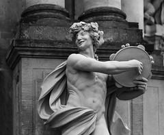 Tamburinspieler (wpt1967) Tags: canon50mm dresden eos6d kunst sachsen skulptur tamburinspieler zwinger art bw sw wpt1967