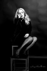 Marlene Dietrich-414-3 (Adriana.Britto) Tags: ensaio retrato portrait foto photo fotografia photography loira blonde blond model mature blackwhite blackandwhite pb pbr pretoebranco people art