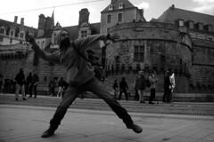 Manifestation de soutien face aux expulsions de la ZAD (à l'oeil de verre photographie) Tags: manifestation police crs black block gaz lacrymogène pavé rebelion action libertaire gendarmerie gendarme mobile flic resistance urban riot loi ile feydeau violences policieres émeutes urbaines émeute flashball bt gl06 brügger thomet ag quai baco nantes à loeil de verre photographie arrestation lbd feux dartifices fireworks bac masque zad chateau des ducs bretagne