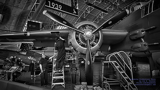 Mechanics Tuning the B-25J Radial in B&W HDR