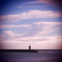 Paz / Peace (Francisco (PortoPortugal)) Tags: 1112018 20160319fpbo2775 fozdodouro riodouro douroriver atlântico atlanticsea porto portugal portografiaassociaçãofotográficadoporto quadrada square paisagem landscape franciscooliveira