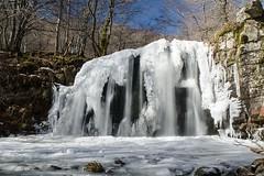 Cascade de Lacessat, Aveyron (lyli12) Tags: cascade hiver glace ice eau water ruisseau nature aubrac aveyron paysage landscape midipyrénées nikon d7000
