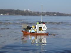 Fischkutter (captain_joe) Tags: toy spielzeug 365toyproject lego minifigure minifig moc kiel hasselfelde strand beach wasser water sky himmel kutter boot boat fischer