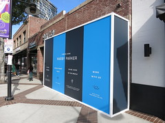 Retail, Warby Parker, Barricade Graphics