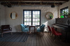 Relaxing Space at Batch (-Dons) Tags: austin batchcraftbeerandkolaches texas unitedstates coffeehouses piano chair table window tx usa rug mirror