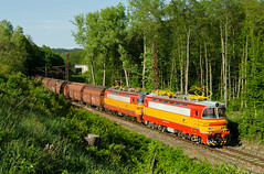 Záhorácky piesok smeruje na Považie (Nikis182) Tags: 240031 240099 zsskc laminátka škoda electric locomotive nikis182 slovakia cargo freight train