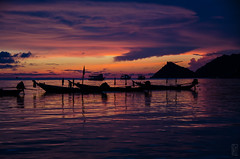 sunset@koh tao (peter birgel) Tags: thailand kohtao sea sunset bay clouds burning boat nikon d7000 silhouette