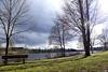 Regen oder Sonne... Ich bin gespannt wie das Osterwetter wird :-) (Antje_Neufing) Tags: kell stausee wiese wetter landschaft sonne rheinlandpfalz hochwald landal
