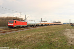 DBC 189 072 - Sloehaven 31-03-2018. (NovioSites) Tags: trein train locomotive loc rail netherlands dbc dbcargo 189072 br189 45729 unitcargo ketelwagens eurosprinter vlissingensloe sloe vopak kölngremberg
