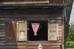 Rim Khlong Lad Prao Community Photo Walk (Thomas Mulchi) Tags: rimkhlongladpraocommunityphotowalk chatuchakdistrict bangkok thailand 2018 window curtain krungthepmahanakhon th