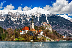 Slovenia's Most Wanted (TranceVelebit) Tags: slovenia slovenija gorenjska bled lake blejsko jezero alps alpen alpi alpe alpine church castle mountain mountains mountainscape peaks peak range snow snowy winter winterscape spring landscape clouds cloudscape karavanke karawanken stol