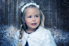 My familys christmas card 2017 (xiglet) Tags: barn girl child woods cold winter norway norge vinter blue