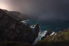 Cabo Ortegal (Galicia, Spain) (Tomasz Raciniewski) Tags: cabo ortegal galicia rain storm coast ocean sea water rainbow light rocks landscape seascape