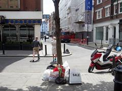 20180613T10-58-48Z-_6133399 (fitzrovialitter) Tags: england fitzrovia gbr geo:lat=5151882900 geo:lon=013612600 geotagged unitedkingdom westendward peterfoster fitzrovialitter rubbish litter dumping flytipping trash garbage urban street environment london streetphotography documentary authenticstreet reportage photojournalism editorial captureone littergram exiftool olympusem1markii mzuiko 1240mmpro city ultragpslogger geosetter