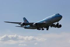 B747 HL7637 London Heathrow 11.06.18 (jonf45 - 4 million views -Thank you) Tags: london heathrow airport egll lhr airliner civil aircraft jet plane flight korean airlines boeing 7478b5 hl7637 b747 747 jumbo