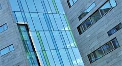 Lines and windows....HWW (wilma HW61) Tags: lines ramen lijnen window windowwednesday hww dwwg fenster fenêtre finestra zwolle overijssel nederland niederlande netherlands nikond90 holland holanda paysbas paesibassi paísesbajos europa europe wilmahw61 wilmawesterhoud architecture building skyscraper geometric symmetry arch architectuur architettura architektur skylight