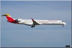 CRJ-1000, Air Nostrum,  EC-MJP (OlivierBo35) Tags: spotting nantes nte crj airnostrum bombardier