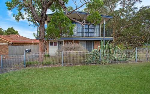 4 Keats Av, Bateau Bay NSW 2261