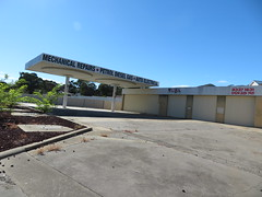 Former Mobil petrol station on Gorge Rd, Athelstone (RS 1990) Tags: former mobil athelstone gorgerd petrolstation servicestation gasstation gasolinestation adelaide southaustralia friday 6th april 2018