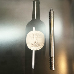 Neopenx and Wine (Neopenx) Tags: shiraz pen wine stainless steel aluminum penaddict frenchwine french italy italian winelable lable labledesign kickstarter drinking luxury luxurylife