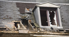 Le temps qui passe (mrieffly) Tags: ruines urbex détériorations fenêtre