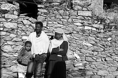 En attendant le bus. (jmboyer) Tags: eth1394 canon lonely gettyimages nationalgeographie tourism lonelyplanet canoneos ©jmboyer photo travel voyage géo ethiopieethnicethnieafriqueafricapeopletravelgéoportraitfacevisageyahooflickrtribalcivilisationethiopiacanonvoyagereligionafricantribuyahoophotolonelygettyimagesnationalgeographietourismlonelyplanetcanoneos visagetribalgéo yahoo flickr afriquedelest eastafrica ethiopianwoman imagesgoogle googleimage impressedbeauty nationalgeographic viajes photogéo photoflickr photosgoogleearth photosflickr photosyahoo canonfrance picture photography ethiopie ethiopia afrique africa etiopija googlephotos googleimages photos photoyahoo ኢትዮጵያ አፍሪቃ axum