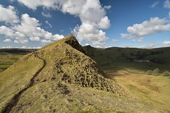 Light and Shade (Andrew Mowbray) Tags: peakdistrictnationalpark peakdistrict whitepeak walkinginderbyshire limestone chromehill parkhousehill reefknoll