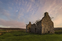 I'm a Wreck in the Evening (SkyeWeasel) Tags: scotland skye ruins kilchrist evening sunset