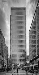 Time stops for no one (jerry_lake) Tags: 1800sec 15mm 7thapril2018 canarywharf d750 flickrmeetup iso400 london londonflickrmeetuo nikon1424mmf28 clocks f71 silverefexpro2