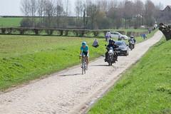 IMG_1099 (fab spotter) Tags: cyclisme parisroubaix vélo voiture course competition extérieur ecureuil hélicoptéres télévision motos