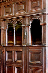 Stokesay, Shropshire, St. John the baptist, canopied pew, detail (groenling) Tags: stokesay shropshire salop england britain greatbritain gb uk stjohnthebaptist pew canopy wood carving woodcarving ornament molding egg dart