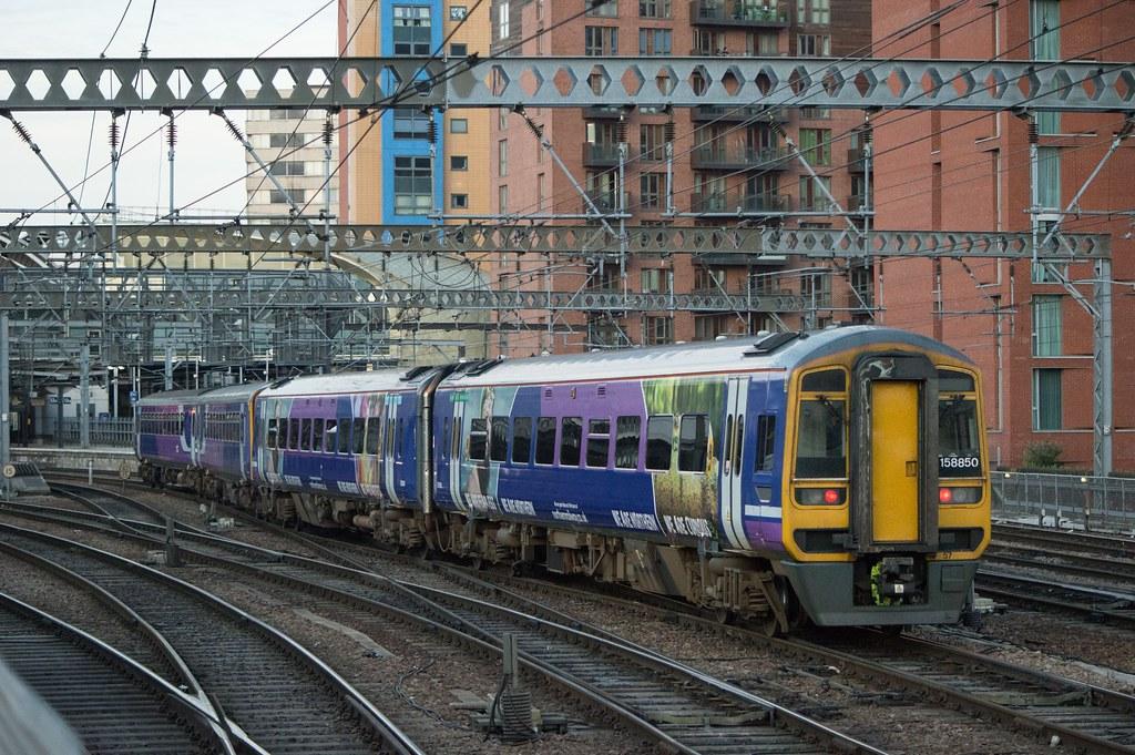 158850+153322+153307, Leeds (JH Stokes) Tags: northernrail leeds sprinters