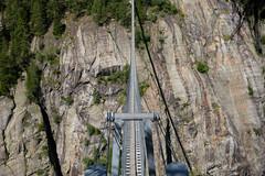 suspension bridge Aspi-Titter, Valais (Toni_V) Tags: m2408145 rangefinder digitalrangefinder messsucher leicam leica mp typ240 type240 35lux 35mmf14asphfle summiluxm hiking wanderung randonnée escursione hängebrücke suspensionbridge aspititter fieschertal niederwaldburghüttemärjelenseefiesch oberwallis wallis valais dof bokeh perspective bridge switzerland schweiz suisse svizzera svizra europe trail wanderweg ©toniv 2018 180623 wysswasser alps alpen
