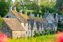 Arlington Row, Bibury, Cotswolds (LongLensPhotography.co.uk - Daugirdas Tomas Racys) Tags: arlingtonrow stonecottages arlington costswolds cotswold cottages countrside cozy english historic home houses light living lovely meadow row rural stone summer terrace tourist