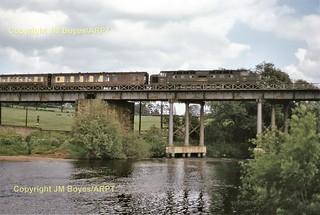 054 D9011 Ripon Viaduct 11-06-64  (John Boyes) 054