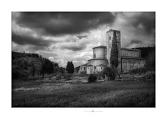 Abbazia di Sant'Antimo (paolo paccagnella) Tags: phpph© foto flickr flowers green gold google ambiente ass activity architettura cloud canonequipment campagna chiesa abbey tuscany italy bn bw blackandwhite paesaggio landscape light photo paccagnellapaolo 2018 best biancoenero monochrome architecture