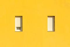 Wink (Jan van der Wolf) Tags: map181225v yellow geel windows ramen wall gevel facade building gebouw simple simpel minimalism minimalistic minimalisme minimal minimlistic wink knipoog fuerteventura architecture architectuur