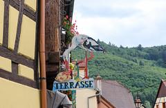 Vacances_0387 (Joanbrebo) Tags: kaysersbergvignoble grandest francia fr alsace hautrhin canoneos80d eosd efs1855mmf3556isstm autofocus streetscenes signs letrero