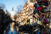 Liebe ist ein Vorhangschloss... (Ralph Punkenhofer) Tags: amsterdam d750 nikon nikkor 35mm f2 bridge brücke love padlocks liebesschlösser blauer himmel krachten holland sonniger tag vorhangschloss vorhanfschlösser reisen