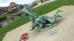 20180415_153607 (jlfaurie) Tags: normandie omahabeach monument monumento dday jlfr mpmdf mechas débrquement plage playa beach memorial mémoire honneur 6juin1944