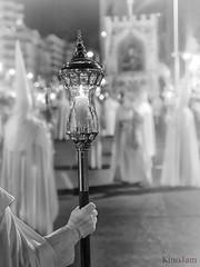 Cofradía de la Institución de la Sagrada Eucaristía (kinojam) Tags: cofrade cofradia capirote procesion eucaristia clavealta desenfoque zaragoza pasion kino kinojam canon canon6d semanasanta
